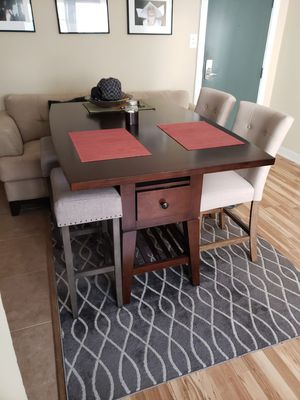 High Top Table for Sale in Chicago, IL