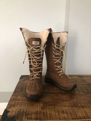 UGG Women tall winter boots for Sale in Miami, FL