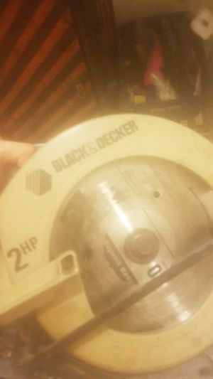 Black and decker circulatory saw for Sale in Long Beach, CA