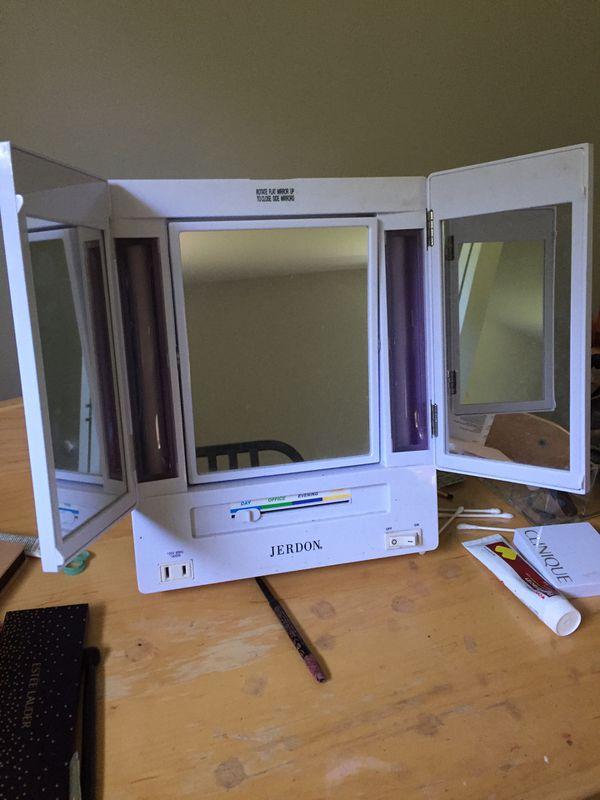 Jerdon Makeup magnifying mirror