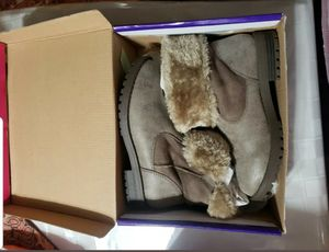 Rampage Girl's Toddler Ankle Boots Courtney Size 2 M Taupe NEW n Box Comfy/Warm for Sale in San Antonio, TX