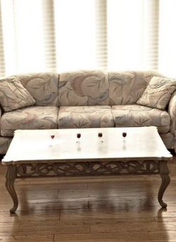 Two Piece Sofa and Love Seat Set! Sunroom Furniture for Sale in Columbus,  OH