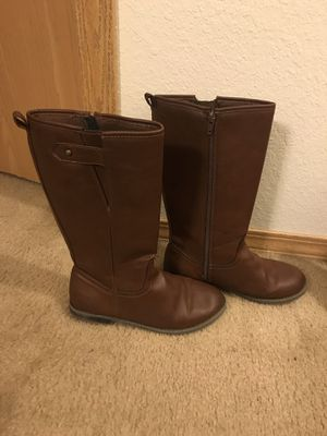 Gap girls boots size 4 for Sale in Lake Mills, WI