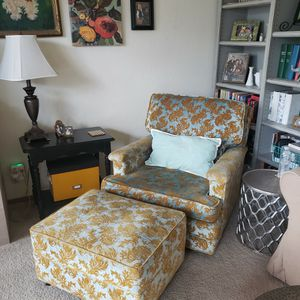 Antique Damask Chair And Ottoman for Sale in Hayward, CA