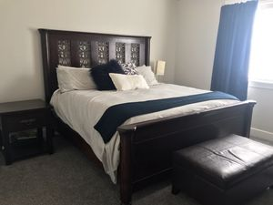 King bedroom set for Sale in Eagle Mountain, UT
