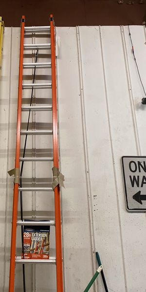 Fiberglass 28-ft- 300 lbs. Extension Ladder for Sale in Herndon, VA