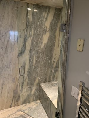 Glass shower door 30,5x72 for Sale in Chicago, IL