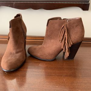 Size 7 Women's Booties with fringe detail for Sale in Eno Valley, NC