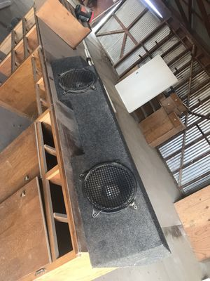 Subwoofers and speaker box for Sale in Clovis, CA