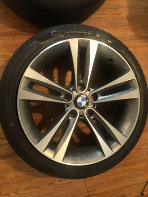 Bmw stock 18' rims with run flat tires CASH ONLY for Sale in Queens, NY