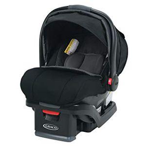 Graco SnugRide SnugLock 35 XT Infant Car Seat Bundle for Sale in New Port Richey, FL