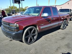 "01 chevy on 26"" versante rims for Sale in Tucson, AZ"