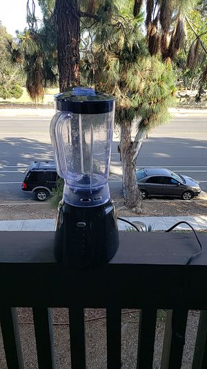 Blender. Small scratch in cover for Sale in San Diego, CA