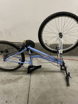 Mountain Bike For Parts for Sale in Moreno Valley,  CA