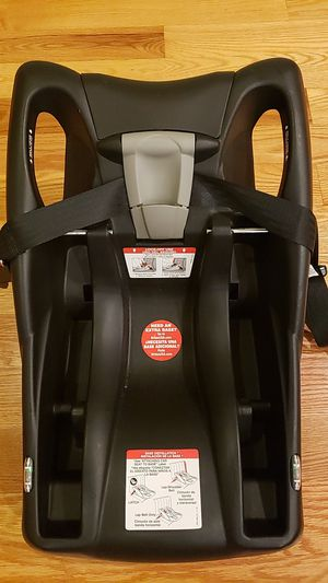 Britax b-safe infant car seat base for Sale in Quincy, MA