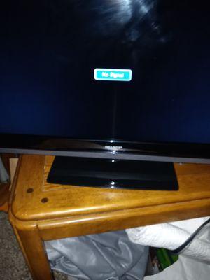 """Sharp 32"""" Tv w/ Remote for Sale in Woodinville, WA"""