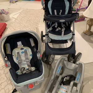 Graco Travel System for Sale in North Ridgeville, OH