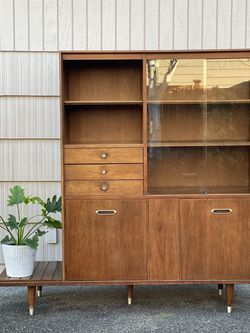 Mid Century Modern B.P. John Hutch w/ Plant Stand for Sale in Des Moines,  WA