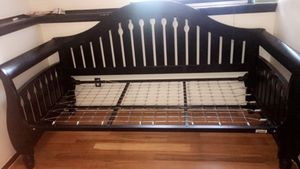 Twin bed frame for Sale in Fort Collins, CO