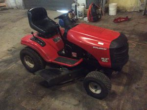 LAWNMOWER TRACTOR-MURRAY for Sale in Houston, TX