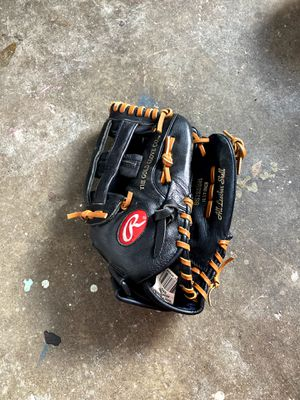 Rawlings baseball glove for Sale in Redwood City, CA