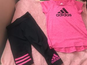 Adidas outfit size 6 for Sale in Carson, CA