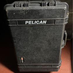 Pelican Negra Usada for Sale in Los Angeles,  CA