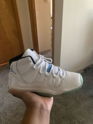 Jordan 11 Retro Legend Blue Size 7 Gs for Sale in Seattle, WA