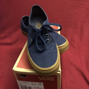 VANS Navy Blue With Gum Sole - Mens Size 5.5   Women's Size 7 for Sale in Hialeah, FL