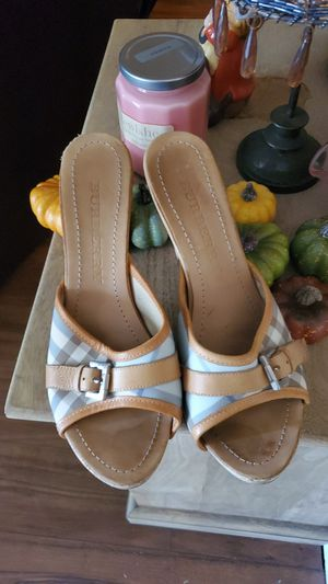 Burberry Authentic heels size 40 like new for Sale in Anaheim, CA