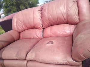 Free couch for Sale in North Highlands, CA