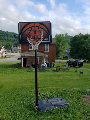 Newer Basketball Hoop for Sale in Monroeville, PA