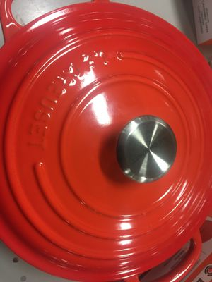 Le creuset 3.5 cocotte new in box for Sale in Fort Belvoir, VA
