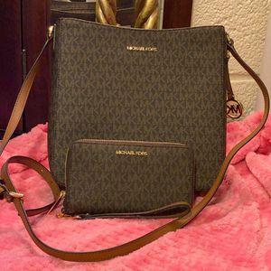 Michael Kors Brown Messenger Bag and Wallet Set for Sale in CA, US