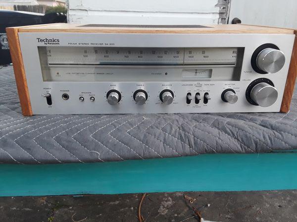 Vintage receiver, Technics, model number SA-200.