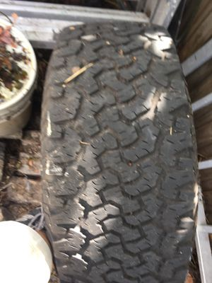 Bf Goodrich all terrain 33 1250 15 in on 6lug toyota chevy rim for Sale in Clearwater, FL