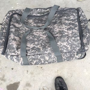 ACU Digital Camo Carry Luggage Military Duffle 3 Wheeled Bag Universal Digi Army for Sale in Rancho Cordova, CA