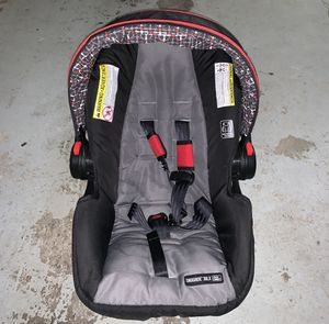 Graco infant car seat with base for Sale in Arlington, TX