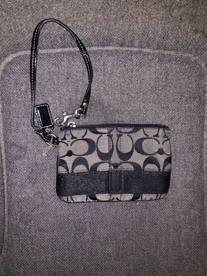 Coach wristlet purse for Sale in Houston, TX