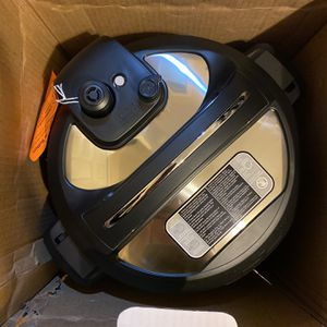 Instant Pot Ultra Multicooker NIB *Cosmetic Dent From Shipping* for Sale in Las Vegas, NV