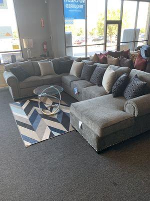 Savoy comfort sectional for Sale in Murrieta, CA