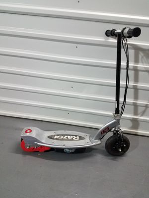 Razor E125 Motorized 24 Volt With out charger I'm not sure it's working for Sale in Dallas, TX