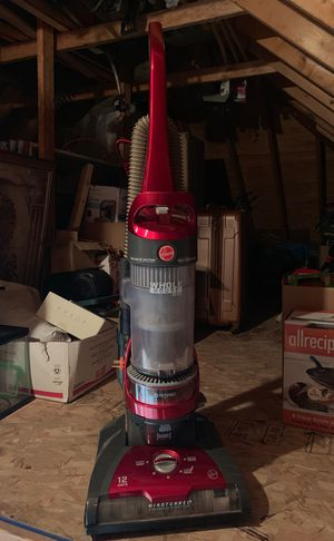Hoover vacuum for Sale in North Olmsted, OH