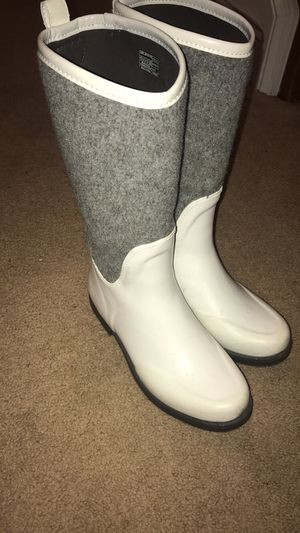 Ugg Rain Boots Size 10 for Sale in Raleigh, NC