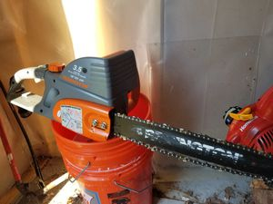 ELETRIC CHAINSAW for Sale in Alexandria, VA