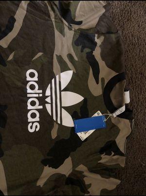 Adidas camo shirt for Sale in Philadelphia, PA