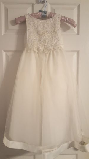 IVORY FLOWER GIRL DRESS for Sale in Weldon Spring, MO