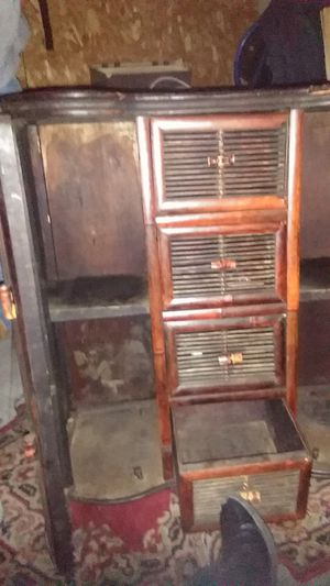 Cabnet with drawers for Sale in Mabelvale, AR