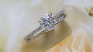 Engagement Ring and Wedding Bands for Sale in Long Beach, CA