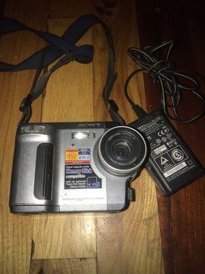 Sony Mavica floppy disc camera MVC-FD90 for Sale in Overland, MO